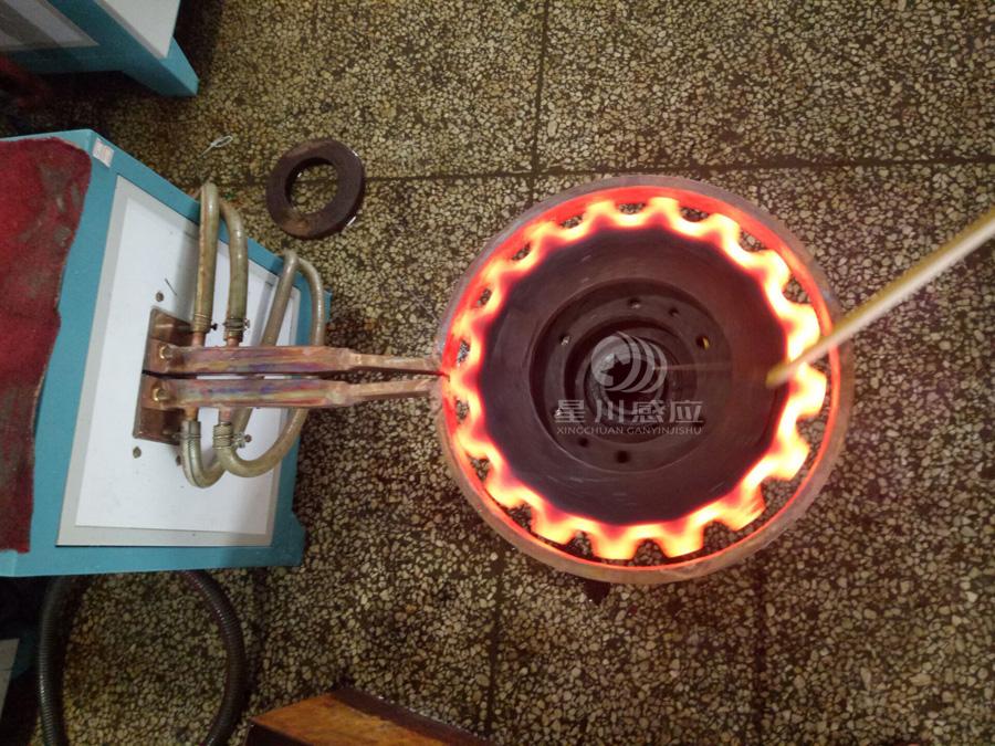 齿轮感应淬火设备